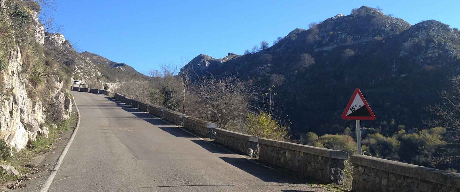 bike tours spain difficulty mountain image